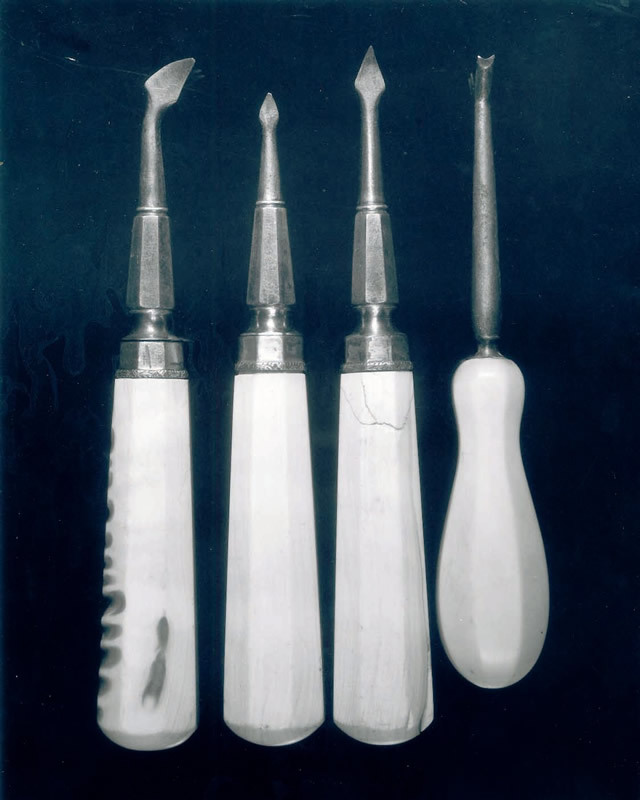 Picture of Paul Revere's Dental Tools